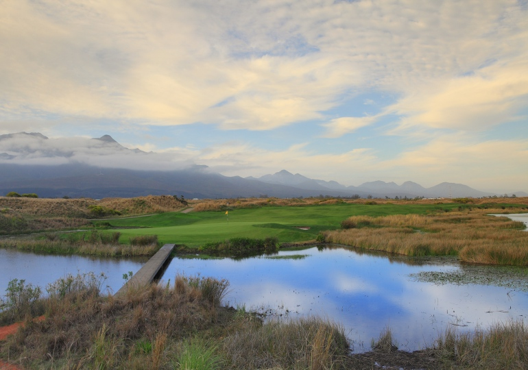 South Africa Golf Vacation & Photo Safari