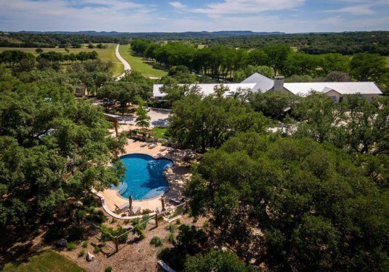 Texas Luxury Axis Hunt - Free Range